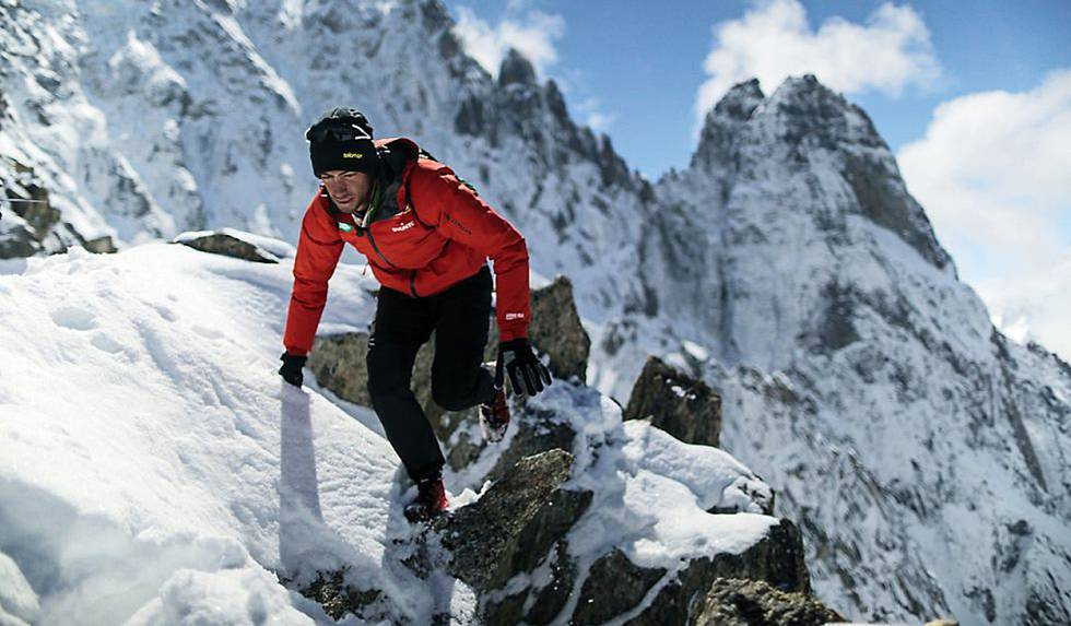Skyrunner Kilian Jornet Scales Everest North Col in 17-Hours While Indian Woman Sets Double Ascent Record